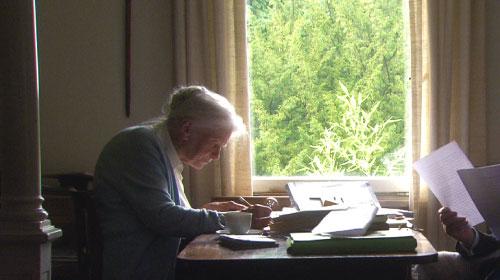 過酷な運命を、文学の力で拓いた女性翻訳家の半生『ドストエフスキーと愛に生きる』