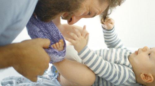 世界9ヵ国のいろいろな育児のかたち『いのちのはじまり:子育てが未来をつくる』
