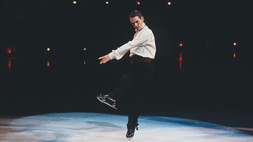 """""""スケート界のヌレエフ""""と評された金メダリストの栄光と孤独『氷上の王、ジョン・カリー』"""