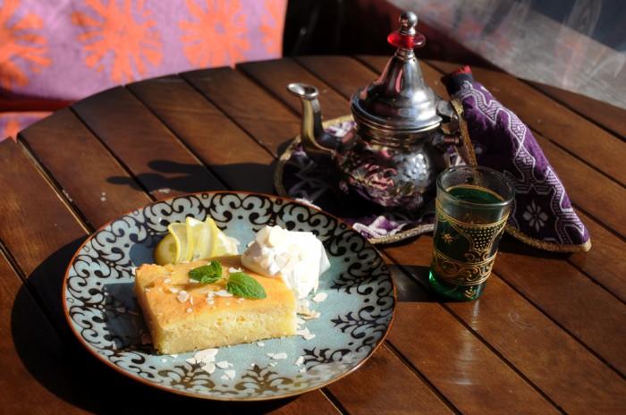 アラブのケーキとセージのお茶セット_001_s